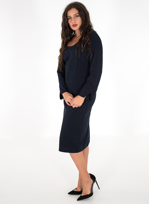 Μπλε φόρεμα με ανάγλυφο σχέδιο