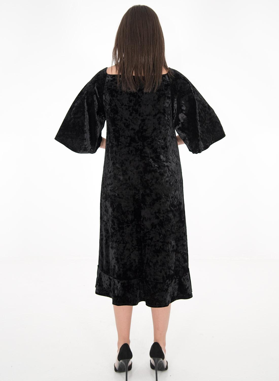 Μαύρο βελουτέ φόρεμα