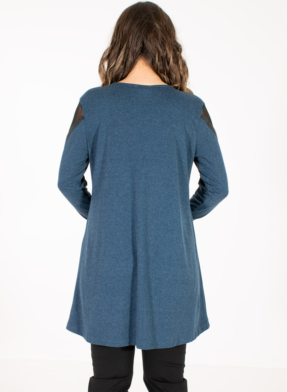 Μπλε μακριά μπλούζα με διαφάνεια στα μανίκια
