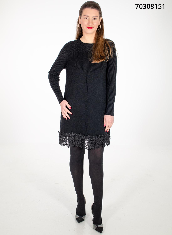 Μαύρο πλεκτό μπλουζοφόρεμα με εντυπωσιακή δαντέλα