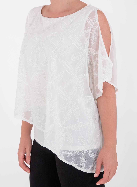 Αέρινη μπλούζα με κεντητά λουλούδια