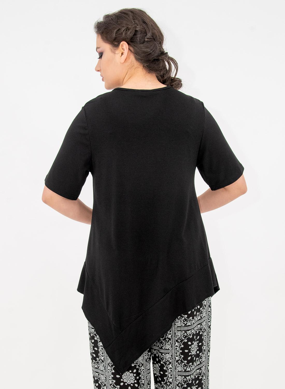 Μονόχρωμη ασύμμετρη μπλούζα