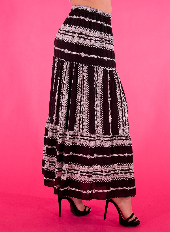 Μαύρη μακριά φούστα με σχέδιο