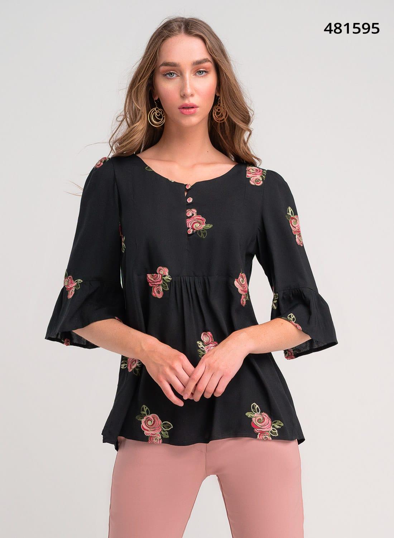 Μαύρη αέρινη μπλούζα με λουλούδια