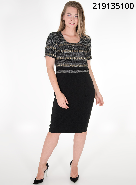 Midi μαύρο φόρεμα με εντυπωσιακό μπούστο