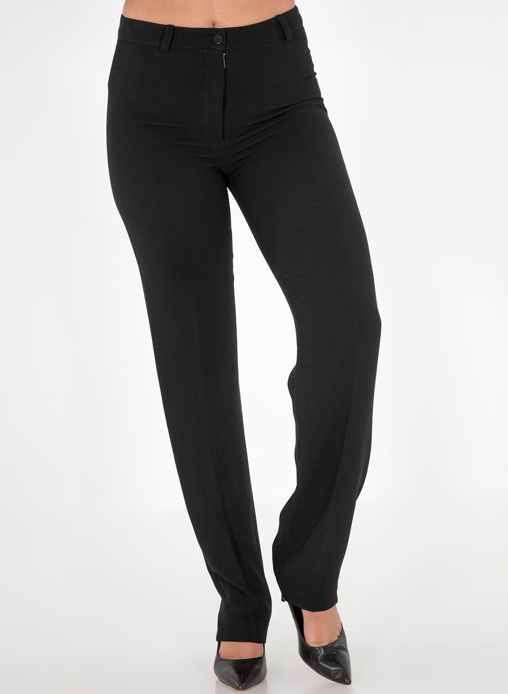 Μαύρο παντελόνι σε ίσια γραμμή