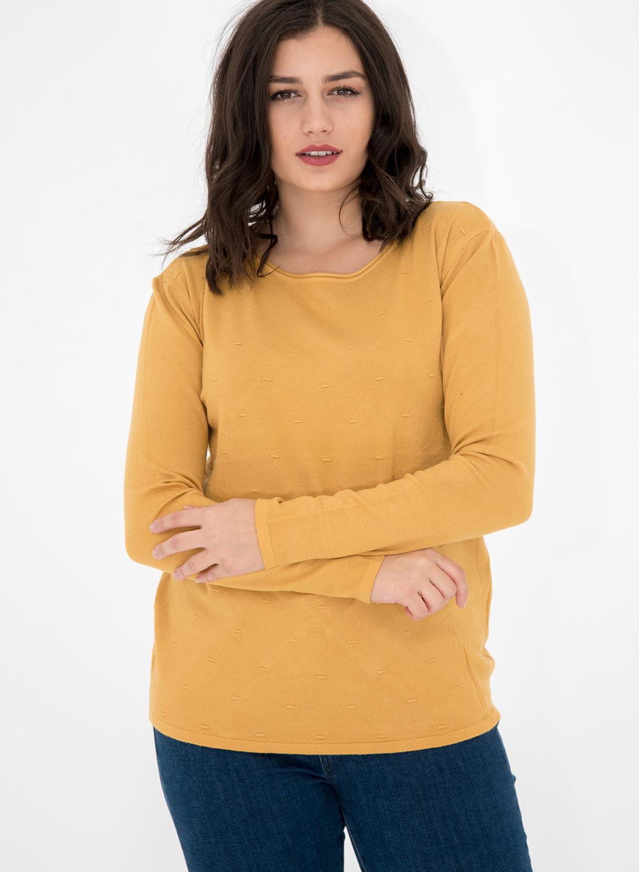 Φωτεινή πλεκτή μπλούζα με διακριτικό σχέδιο στην πλέξη