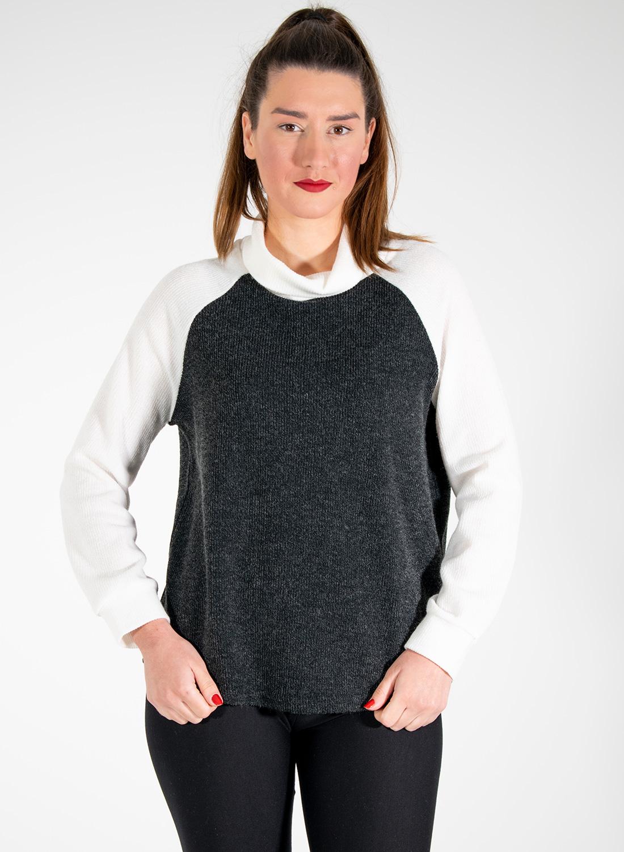 Ανθρακί δίχρωμη μπλούζα με χαλαρό ζιβάγκο